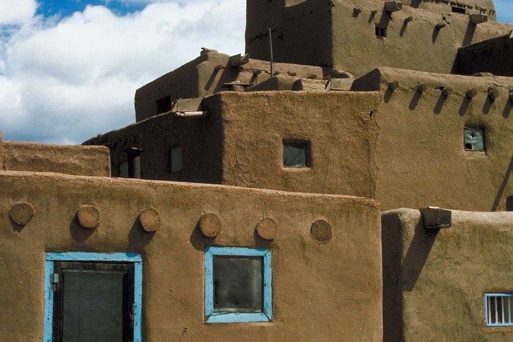 Algunas tribus de indios americanos viven en pueblos.