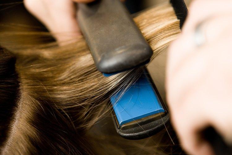 No uses cualquier plancha en tu cabello.