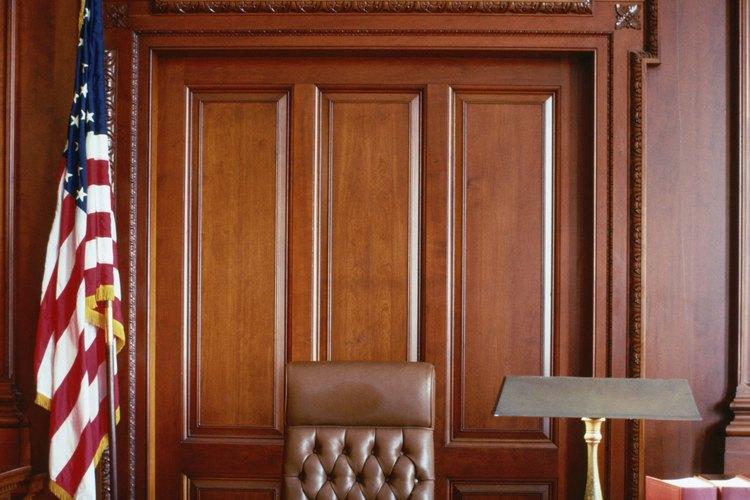 Puedes pedir a un tribunal que cambie a un tutor en un caso mediante la presentación de una petición.