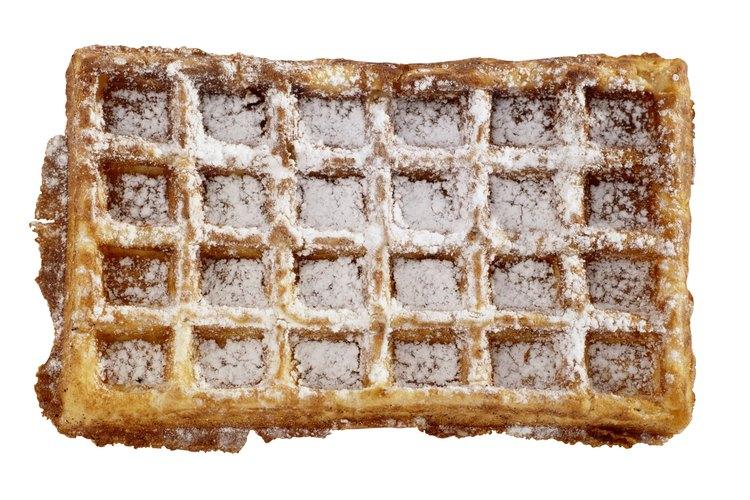 El azúcar impalpable puede utilizarse para cubrir pasteles.