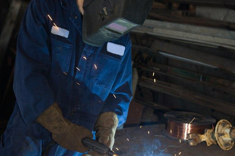 Los soldadores tienen muchas responsabilidades de seguridad.