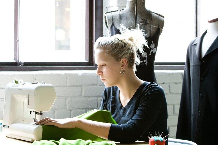 La fabricación de vestidos fue una de las ocupaciones femeninas más tradicionales.