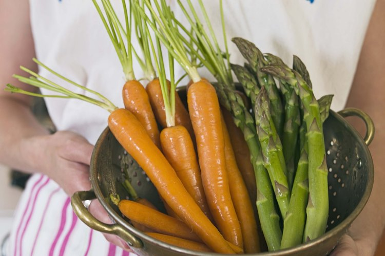Las zanahorias son bienales de temporada fresca.