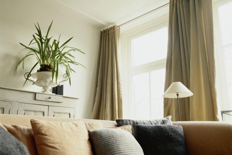Cómo quitar las marcas de quemaduras de los sofás de microfibra