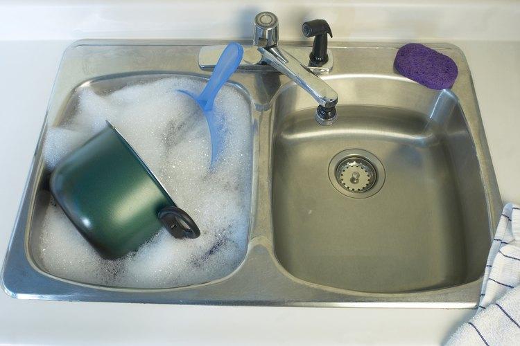 Los fregaderos de cocina requieren un tubo de drenaje de cierto tamaño.