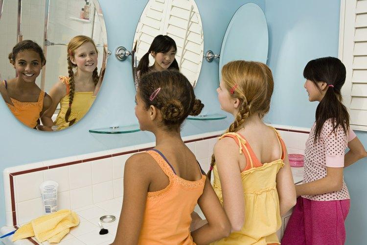 Afirmaciones positivas frente al espejo.