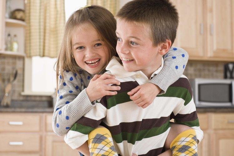 Los hermanos mayores pueden ser una gran parte del proceso de aprendizaje de tu niño.