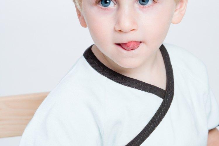 Los niños desarrollan habilidades motoras finas a diferentes edades.