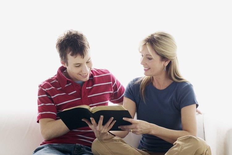 Algunas de las cosas que ellos descubren en la biblia pueden sorprender a los adolescentes.