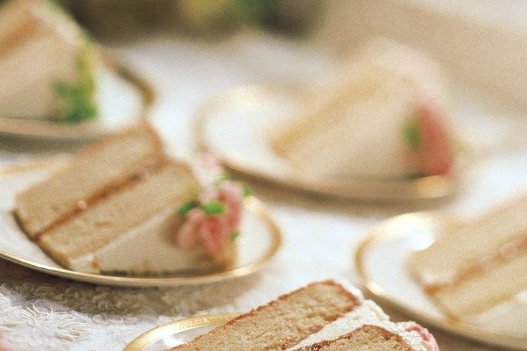 La masa horneada en exceso causa aireación, lo que puede resultar en un pastel seco.