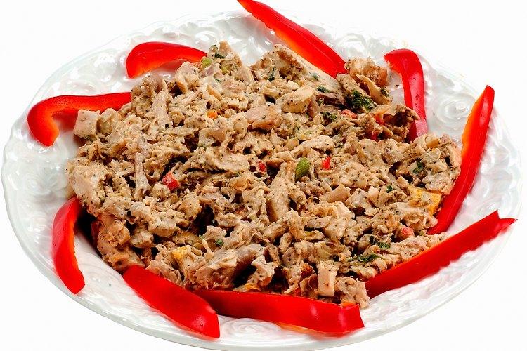 La carne de res desmenuzada llevará el sabor de las especias con que la cocines.
