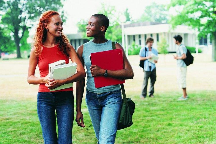 Tener que cargar con los libros a través del campus escolar puede ser estresante y fatigoso.