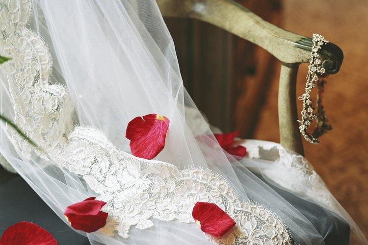No es difícil confeccionar velos de novia en casa.