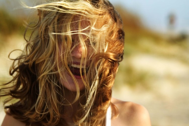 No tienes que ir a la playa para tener un cabello enmarañado.