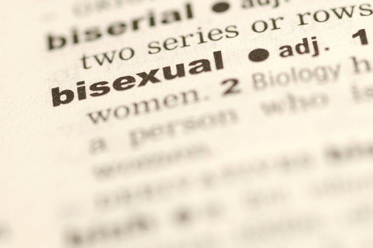 Una respuesta agresiva del hombre a otros hombres gays puede indicar su bisexualidad.