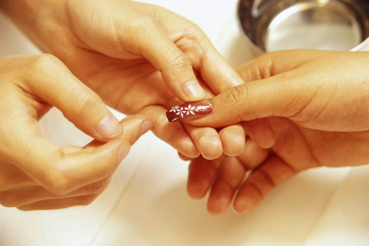 Ve a un salón de uñas profesional para obtener mejores resultados.