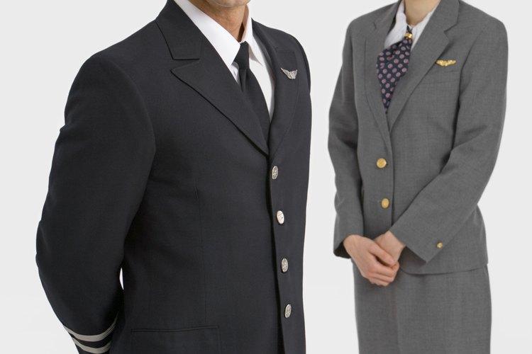 Es necesario que los aspirantes a pilotos de la Marina tengan un grado de oficial.