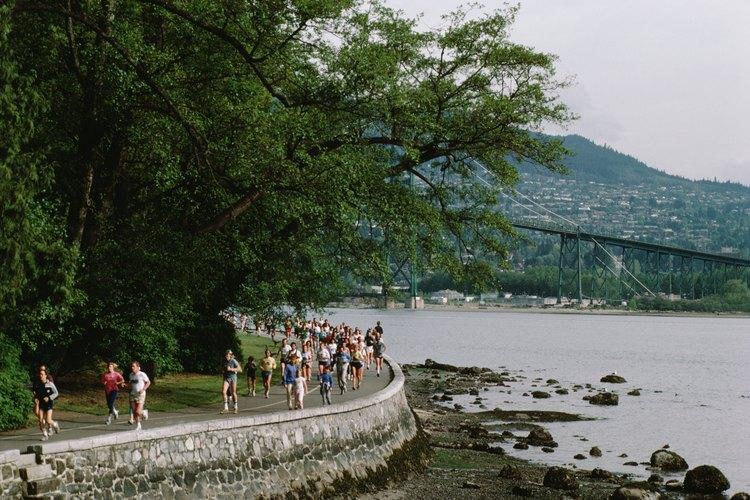 En el Stanley Park se llevan a cabo carreras locales, como el BMO Vancouver Marathon.