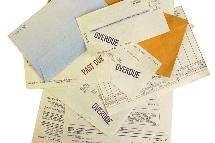Cuando las deudas se apilan y los acreedores demandan, no ignores los avisos.