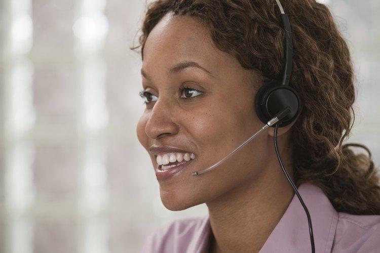 Es deber del asistente de servicio en cualquier departamento de contestar las llamadas telefónicas entrantes.