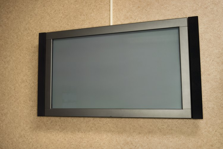 Las pantallas de TV grandes presentan un desafío de diseño especialmente difícil, simplemente debido a su gran tamaño.