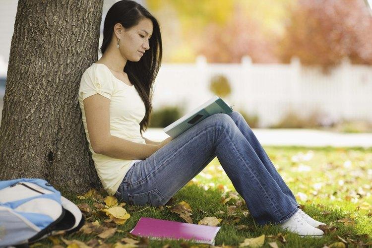 Proporciona no ficción entretenida y educativa para despertar el interés de tu adolescente.
