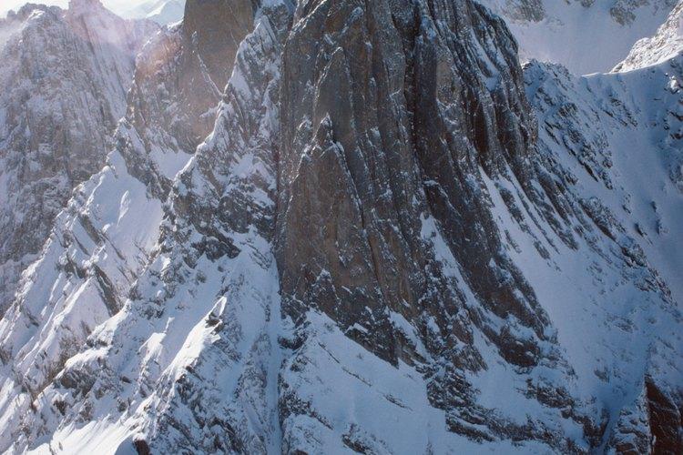 El pico nevado Bolivar, es el más alto del mundo ya que supera los 16,500 pies.