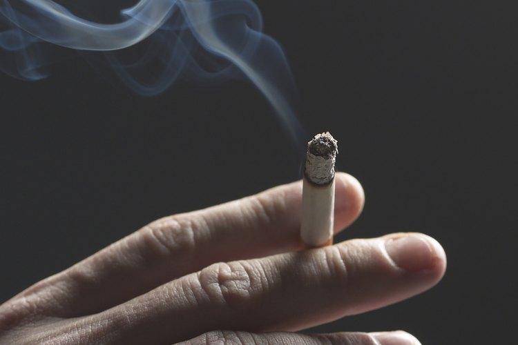 El cabello puede absorber el olor a humo de cigarrillo.