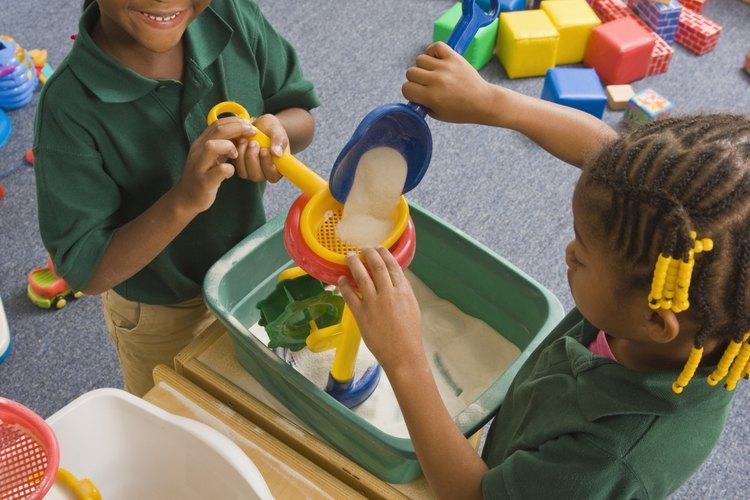 Cuando los niños inician el jardín de niños, se añaden actividades a su horario.