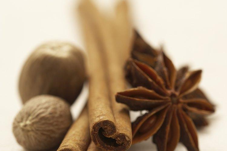 Las especias enteras son económicas y tienen un mejor sabor.