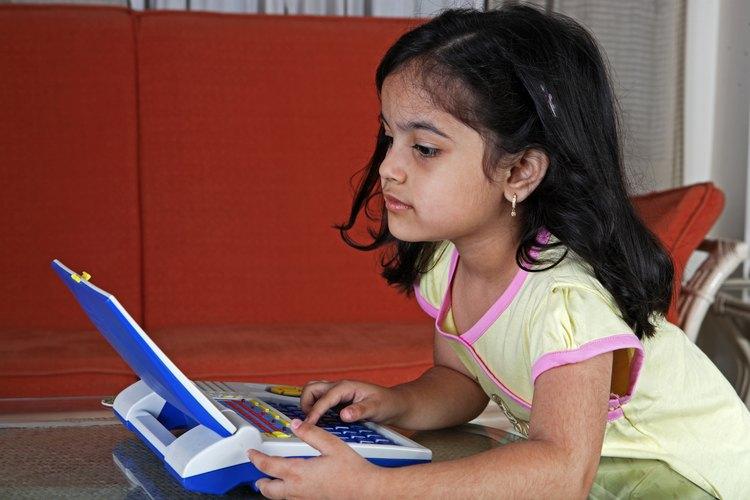 Juega juegos de computadora para una práctica adicional de comprensión de lectura.