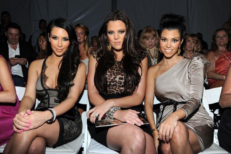 Las hermanas Kardashian son conocidas por sus largas melenas oscuras; aprende cómo evitar que tu color se desvanezca.