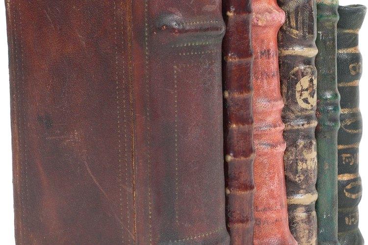 Los autores a lo largo de la historia han utilizado los recursos literarios en su trabajo.