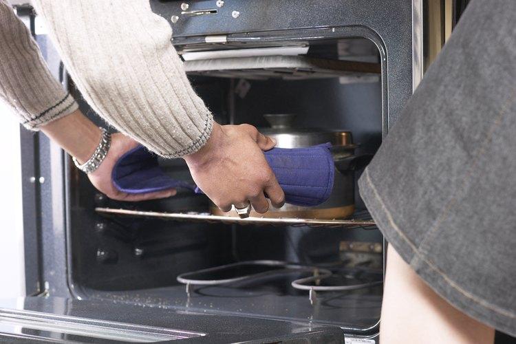 Los hornos pueden causar incendios en las cocinas.