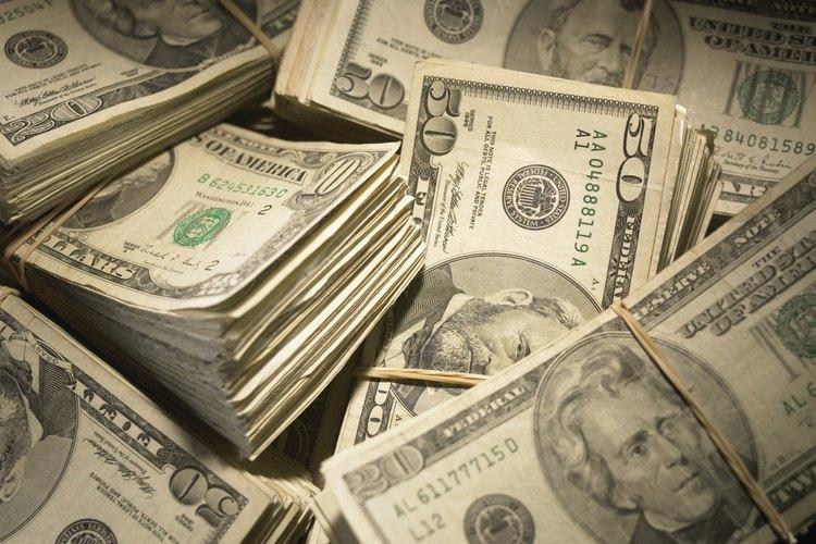 Cuando baja el dólar aumentan las ventas de los productos de empresas estadounidenses en el extranjero.