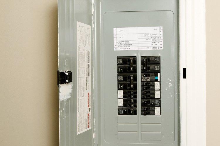 La identificación de un interruptor automático defectuoso puede salvar tu casa y pertenencias de los daños eléctricos.
