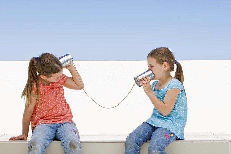 Los niños que no dominan la conversación básica del ir y venir pueden necesitar evaluación médica.