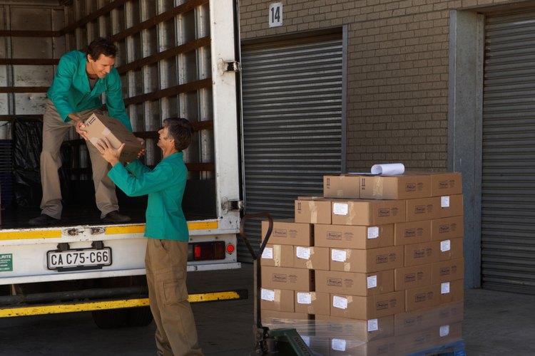 Los conductores de camiones locales conducen típicamente pequeños camiones o furgonetas de reparto.