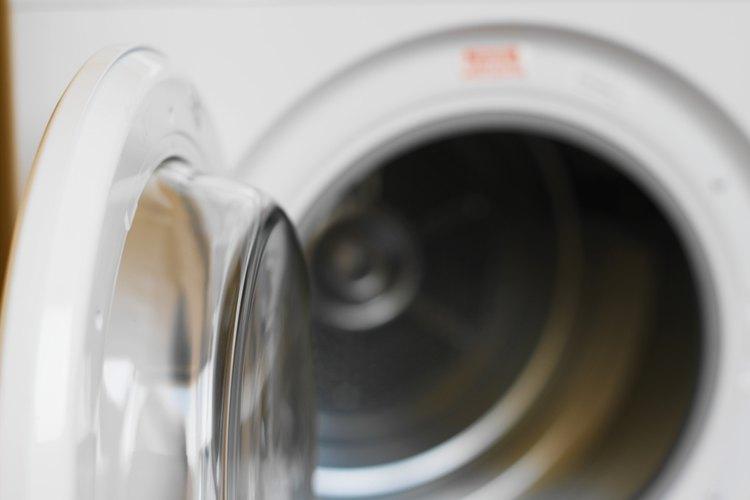 Kenmore recomienda a los dueños de lavadoras seguir unos cuantos pasos para determinar por qué el ciclo de enjuague no funciona correctamente.