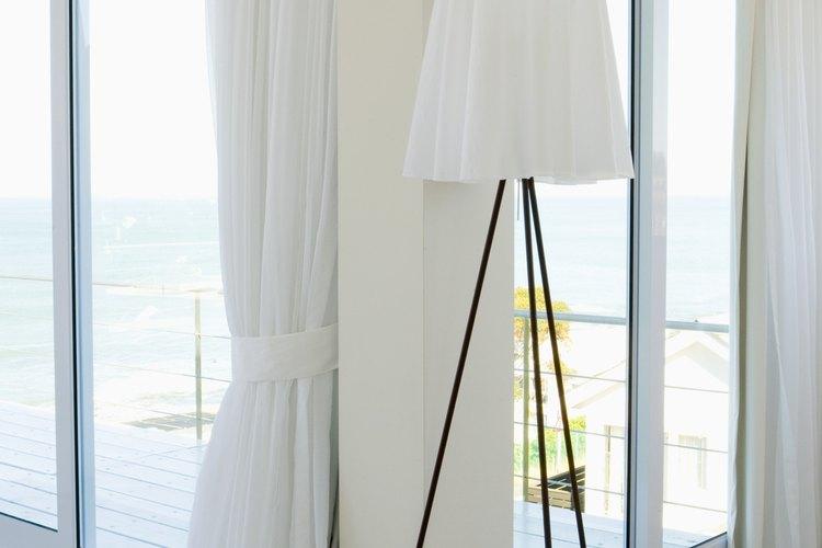Las puertas corredizas de vidrio vienen en un número limitado de tamaños estándar.