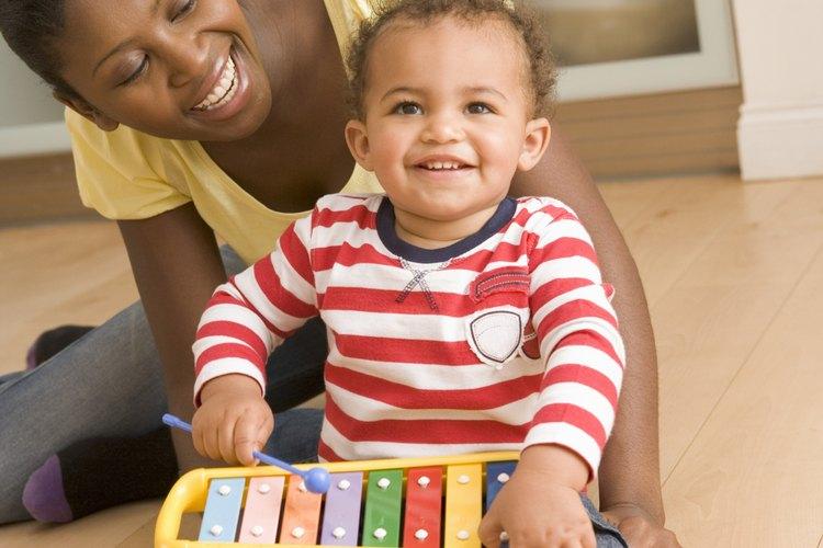La hora de juego es un tiempo para la unión familiar y el desarrollo de habilidades.