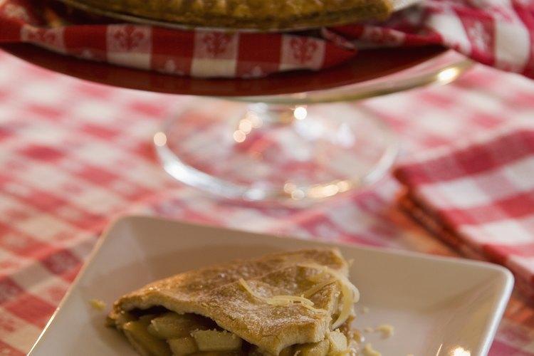 Prepara una deliciosa tarta de manzana.