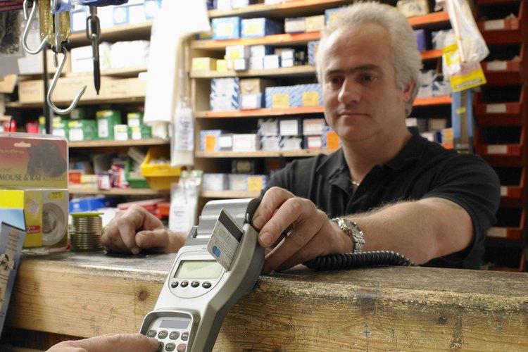 Con la inflación el comerciante al por menor tiene que aumentar sus precios al consumidor para recuperar apenas sus costos.