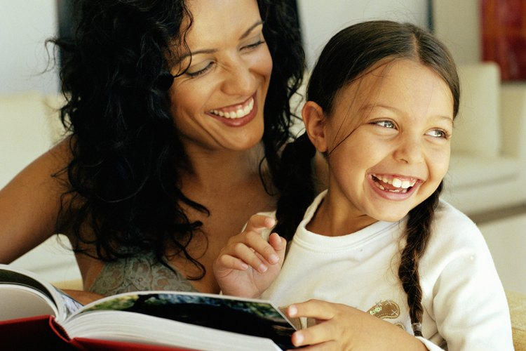Ayudar a los niños a desarrollar la conciencia fonológica puede ser entretenido.