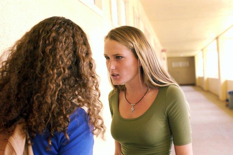 Dale a tu adolescente las herramientas para que resuelva conflictos.