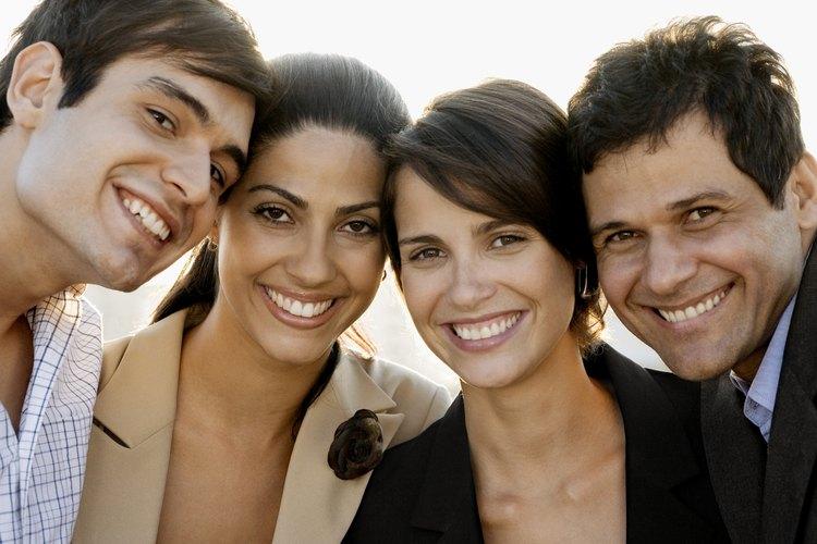 Las habilidades sociales sólidas beneficiarán a tu hijo por el resto de su vida.