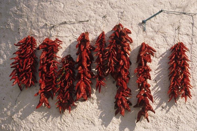 El chile guajillo se puede tostar para obtener un sabor más intenso.
