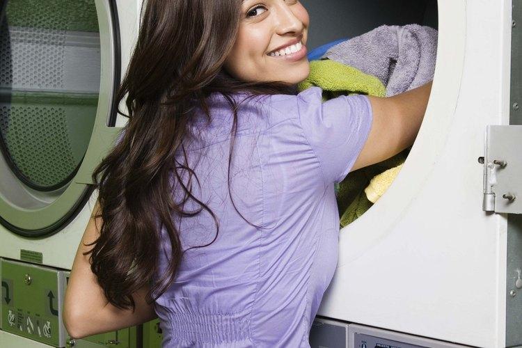 Cómo matar los gérmenes al lavar la ropa.