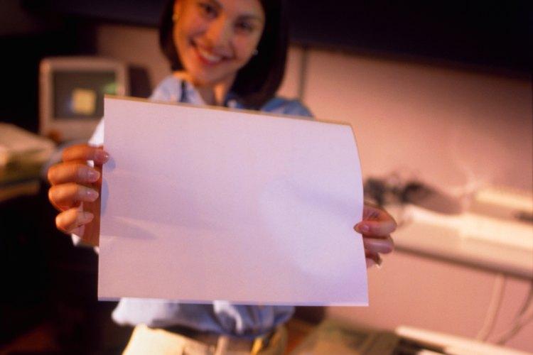 Las fotocopiadoras ayudan a producir rápida y convenientemente copias de documentos.