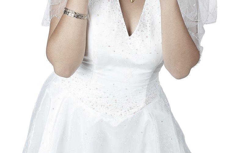 Dale unos momentos relajantes a la futura novia preparando una despedida de soltera.